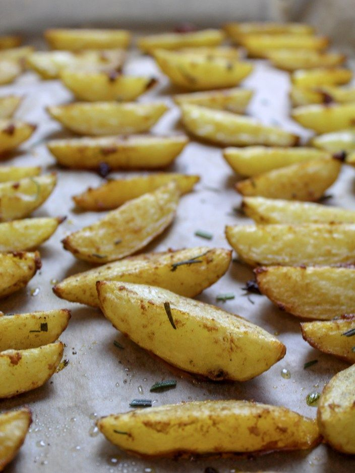 Photo of Oven-baked rosemary potatoes with garlic marinade – kitchensplace
