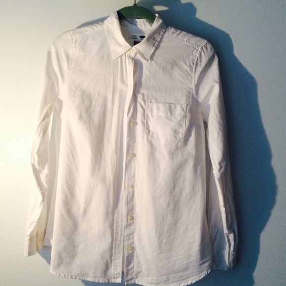 7201286fce4d2 BOGO Old Navy classic Oxfordcloth boyfriend shirt Only the shape-inducing  darts reveal that you