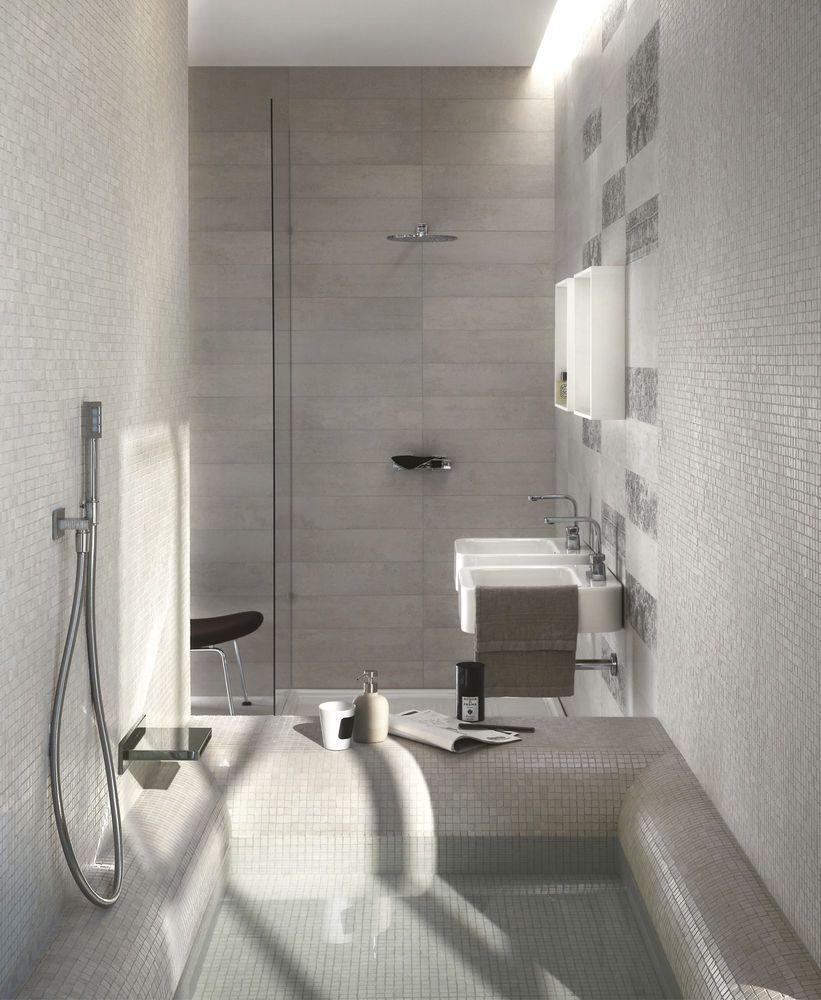 Piastrelle muro bagno e mosaico piatto doccia Concept - porcelain ...