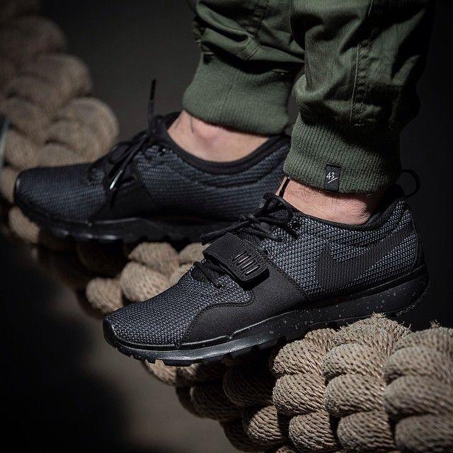 Nike Sb Trainerendor Black On Black