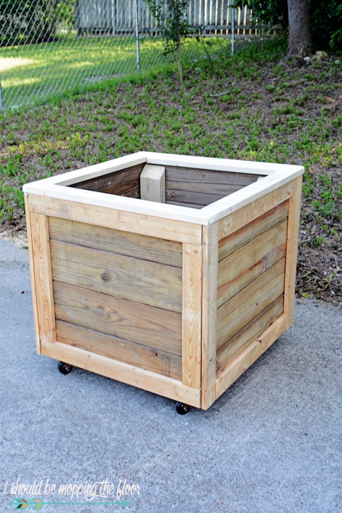 This Diy Planter Box With Wheels Is Perfect For Any Patio Or Garden Area It Works Perfectly Vegetables Flowers And Rolls Where Ever You Want