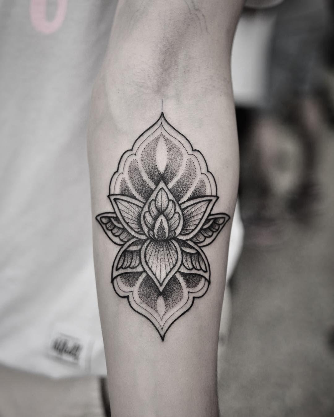Dotwork lotus tattoo on forearm eye catching tattoos for guys dotwork lotus tattoo on forearm izmirmasajfo