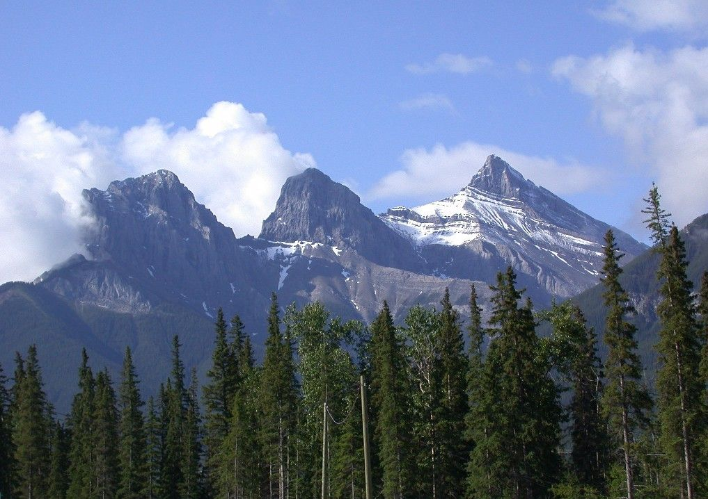 The Three Sisters Mountain Range Oregon Sisters