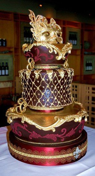 GOLD AND BURGANDY MASCARADE FANCY