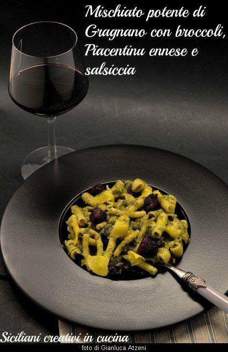 Pasta con broccoli, salsiccia e Piacentinu ennese