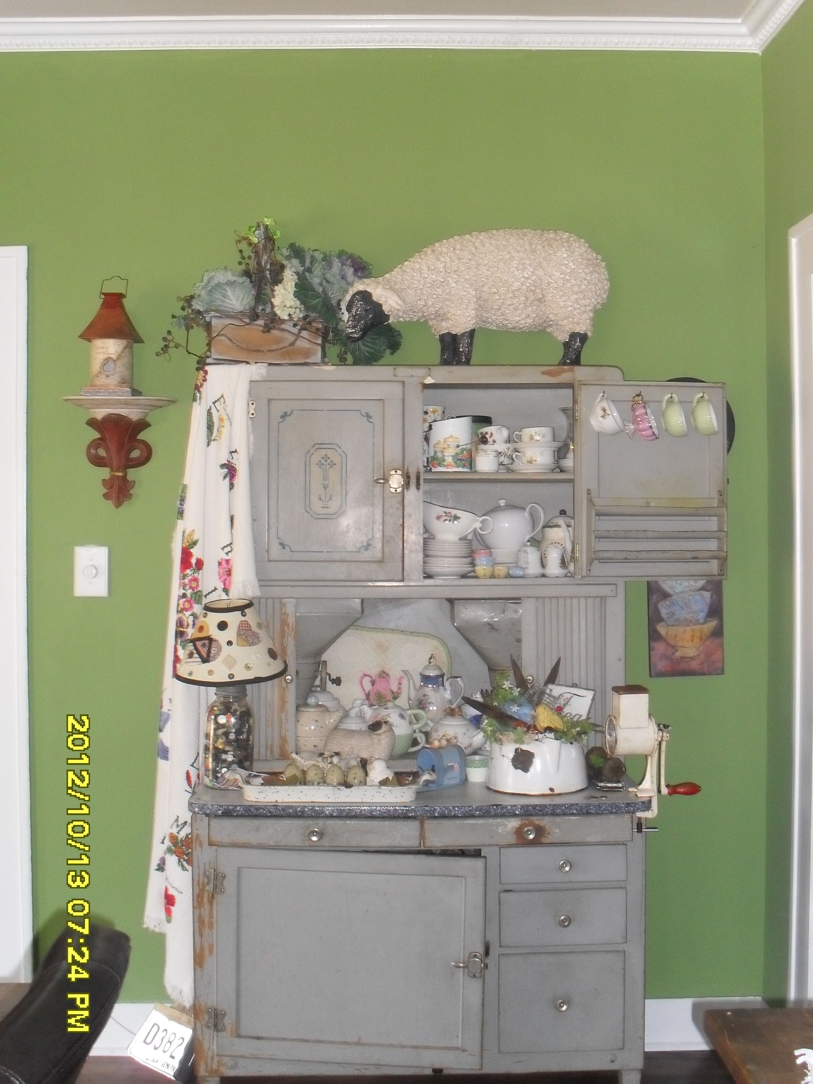 Hoosier Kitchen Cupboard Original Paint And Stencils If You Look In The Middle You Ll See T Vintage Cupboard Vintage Kitchen Cabinets Antique Hoosier Cabinet