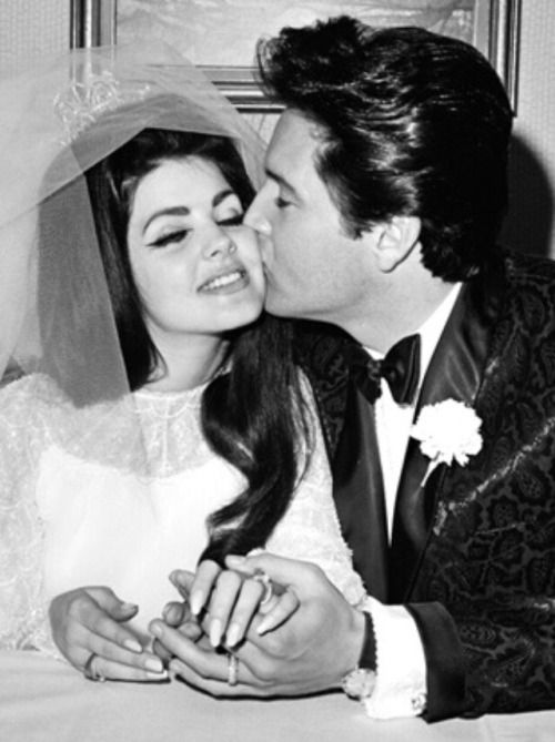 Takingcare Of Business Amazing Paintings Of Elvis And Priscilla Presley By Sara Lynn Sanders Elvis Wedding Priscilla Presley Elvis Presley Photos