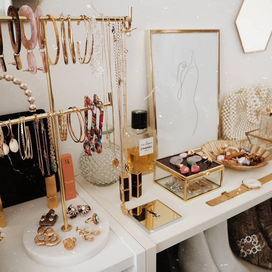 Vanity Jewelry Organization In 2020 Cute Room Decor Room Decor Vanity Decor