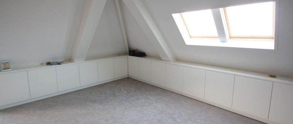 Afbeeldingsresultaat voor slaapkamer schuine wanden | inloopkast ...