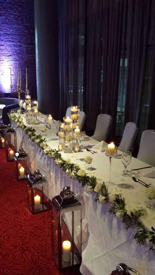 Top table floating candles