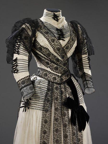 Dress   Sara Mayer & A. Morhanger   1889-1892 (made)