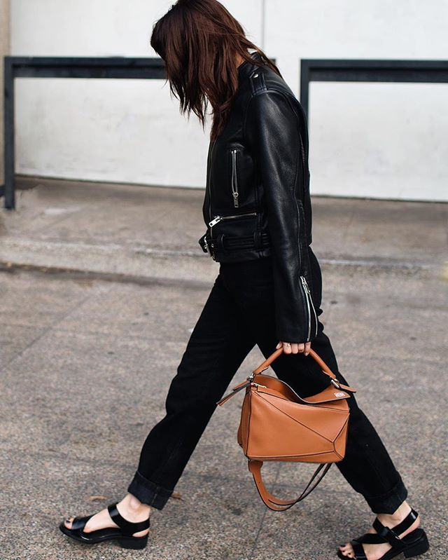 Pin for Later: 25 Easy Ways to Accessorize Like a Fashion Pro A Bag That Pops