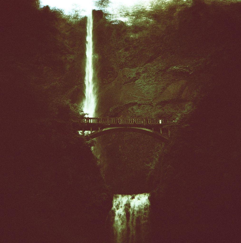 liquidnight. footbridge multnomah falls, oregon