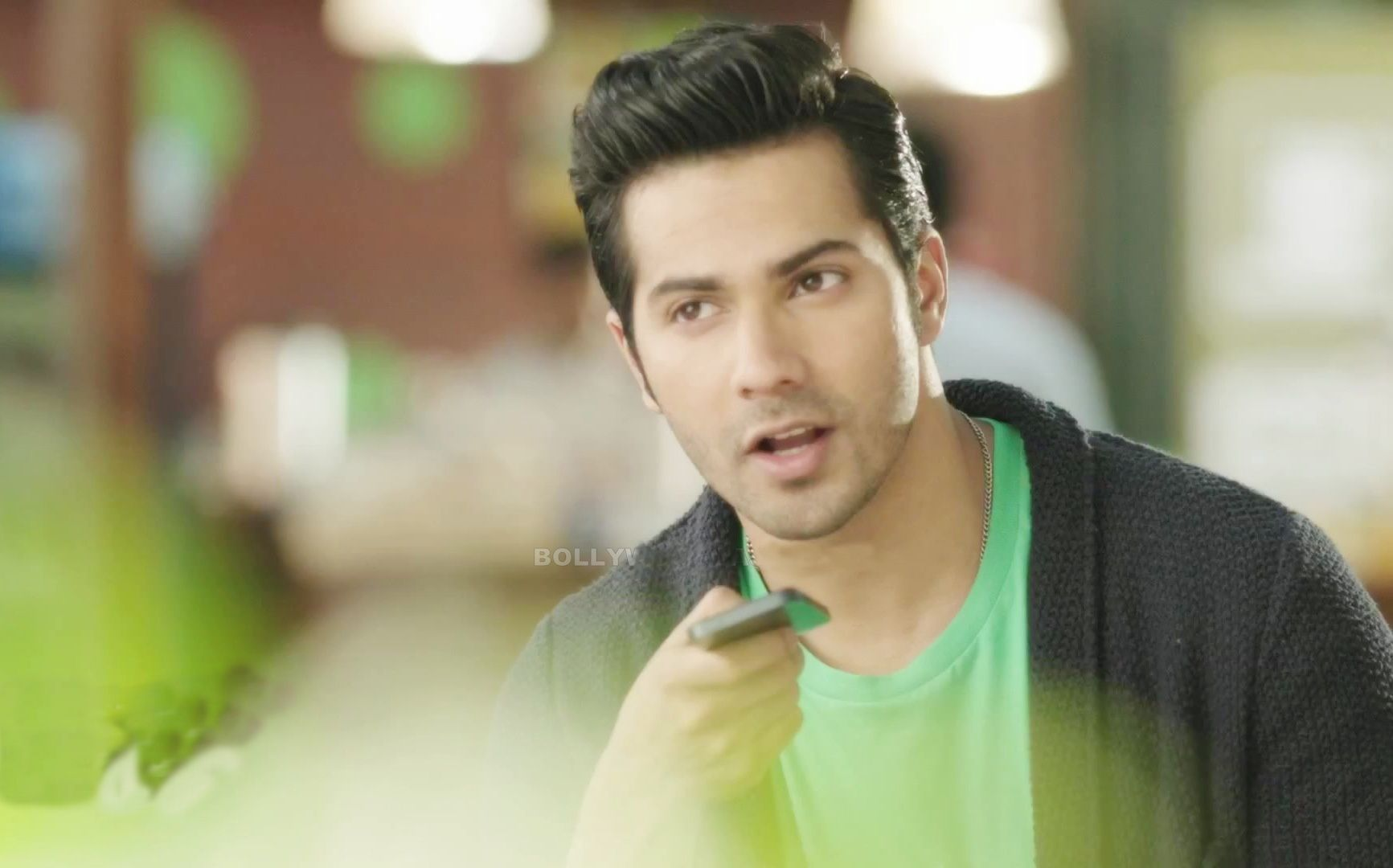 New Latest Photos Of Varun Dhawan Hd Wallpapers Images Free 1280960