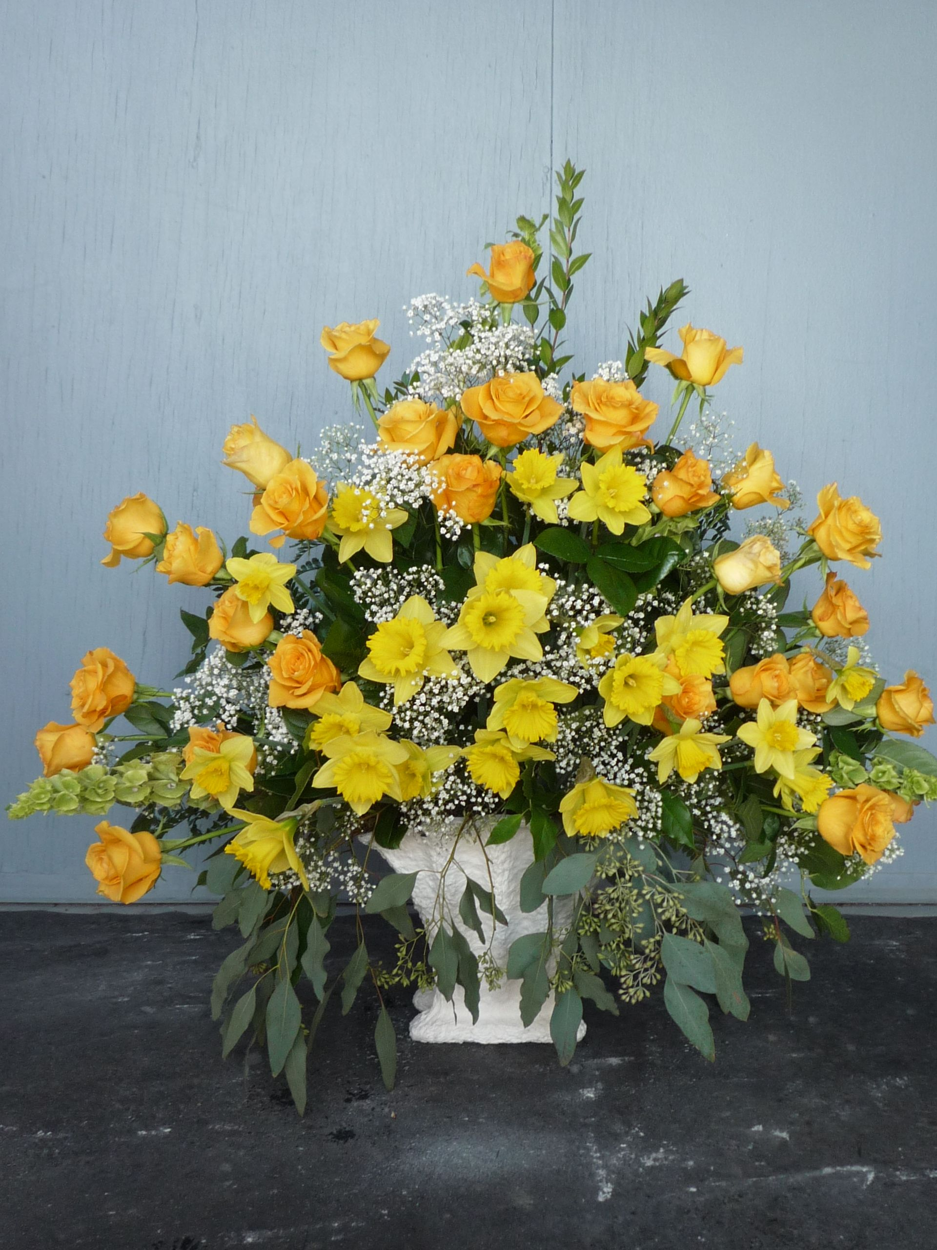 Large yellow rose and daffodil sympathy arrangement in memorial large yellow rose and daffodil sympathy arrangement izmirmasajfo