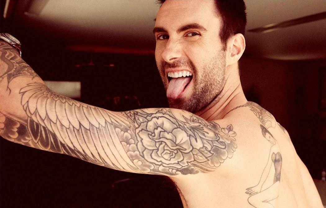 Adam Levine Wing And Rose Arms Tattoo Adam Levine Adam Levine Tattoos Eye Candy