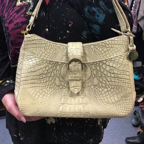 Brahmin light green handbag Brahmin Melbourne collection. Italian leather. Light green. Zipper on top, 1 outside pocked and 3 inside pockets. Few ink marks in the lining. Will post pictures if you want to see. Beautiful bag! Brahmin Bags Shoulder Bags