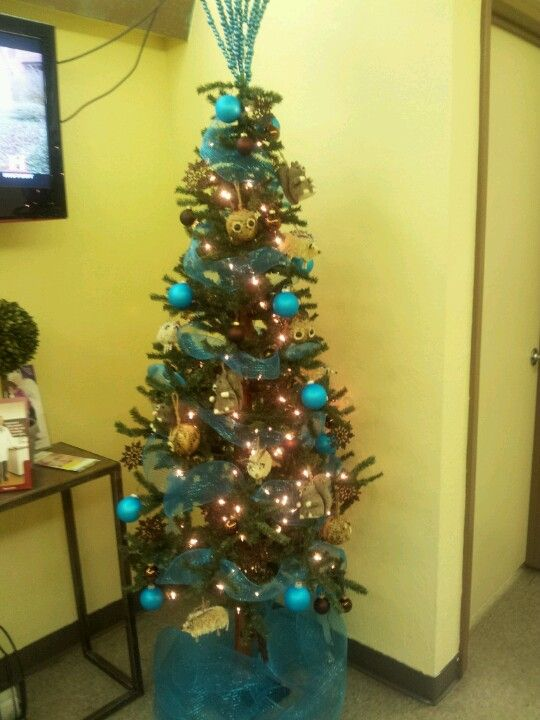 My Doctors Office Christmas Tree Pretty Office Christmas Christmas Tree Christmas