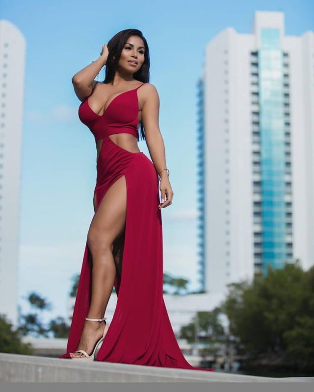 Dolly Castro   OMG those Feet   Dolly castro, Sexy, Dresses 240395d9dbc
