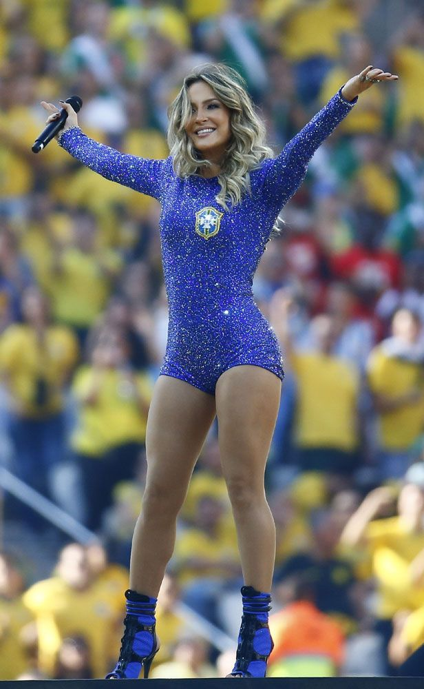 Fifa World Cup Jlo Pitbull Sizzle In Sao Paulo Soccer Girl