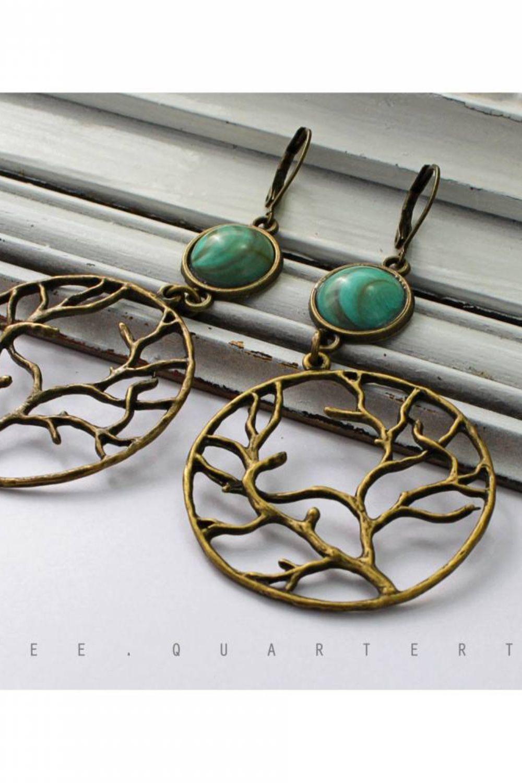 Tree-themed cabochon earrings