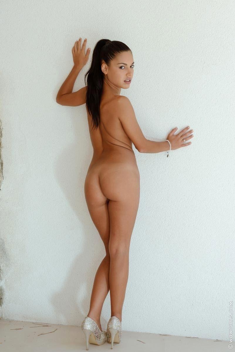 Nude apolonia