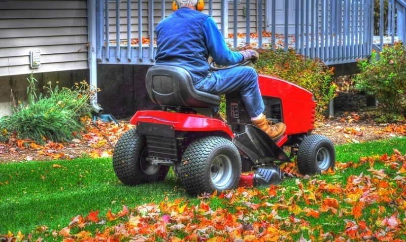 Best Riding Lawn Mower Top 10 Tractors Reviews And Guide