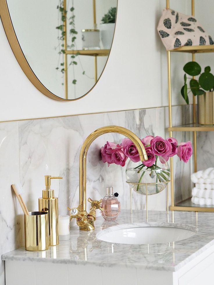 Photo of Marmor & Gold Badezimmer