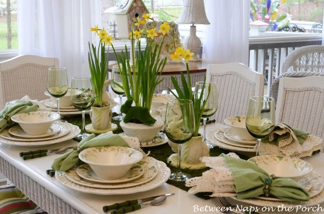 Captivating Easter Dining Table Setting With Natural Floral Centerpiece and Green Napkins & Captivating Easter Dining Table Setting With Natural Floral ...