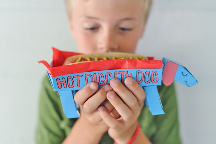 DIY Hot Diggity Dog Hot Dog Holders