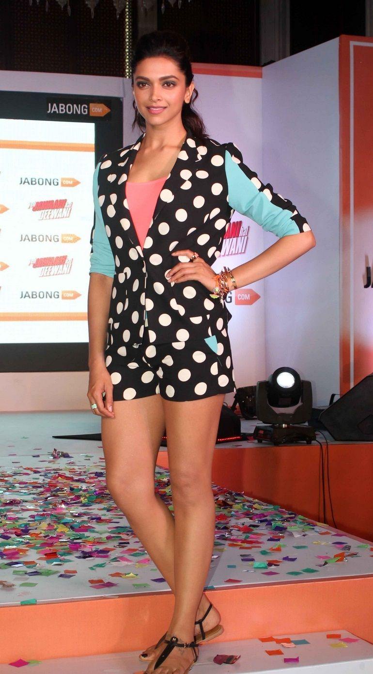 Deepika Padukone In Black Short At Fashion Event Deepika Padukone Style Deepika Padukone Hot Fashion