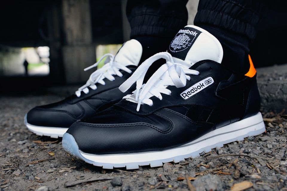 111b46203015 Reebok x Caliroots x All Out Dubstep  Classic Leather