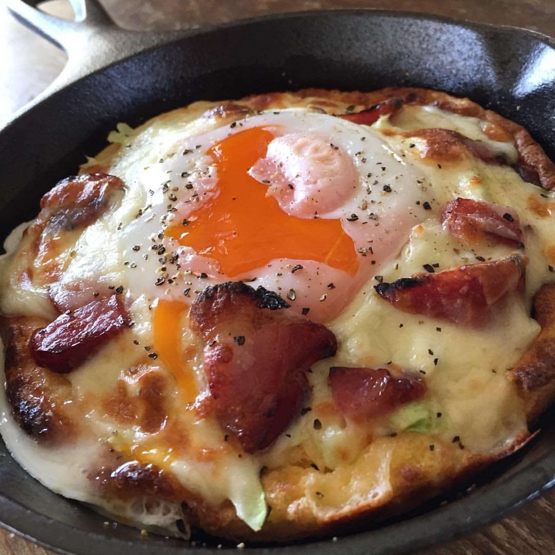 ベーコン キャベツ チーズ たまご のパンケーキ Dutch pancake with bacon, cabbage, cheese and egg  #yummy #homemade #healthy #pancake #dutchpancake #germanpancake #dutchbaby #skillet #egg #bacon #おいしい #手作り