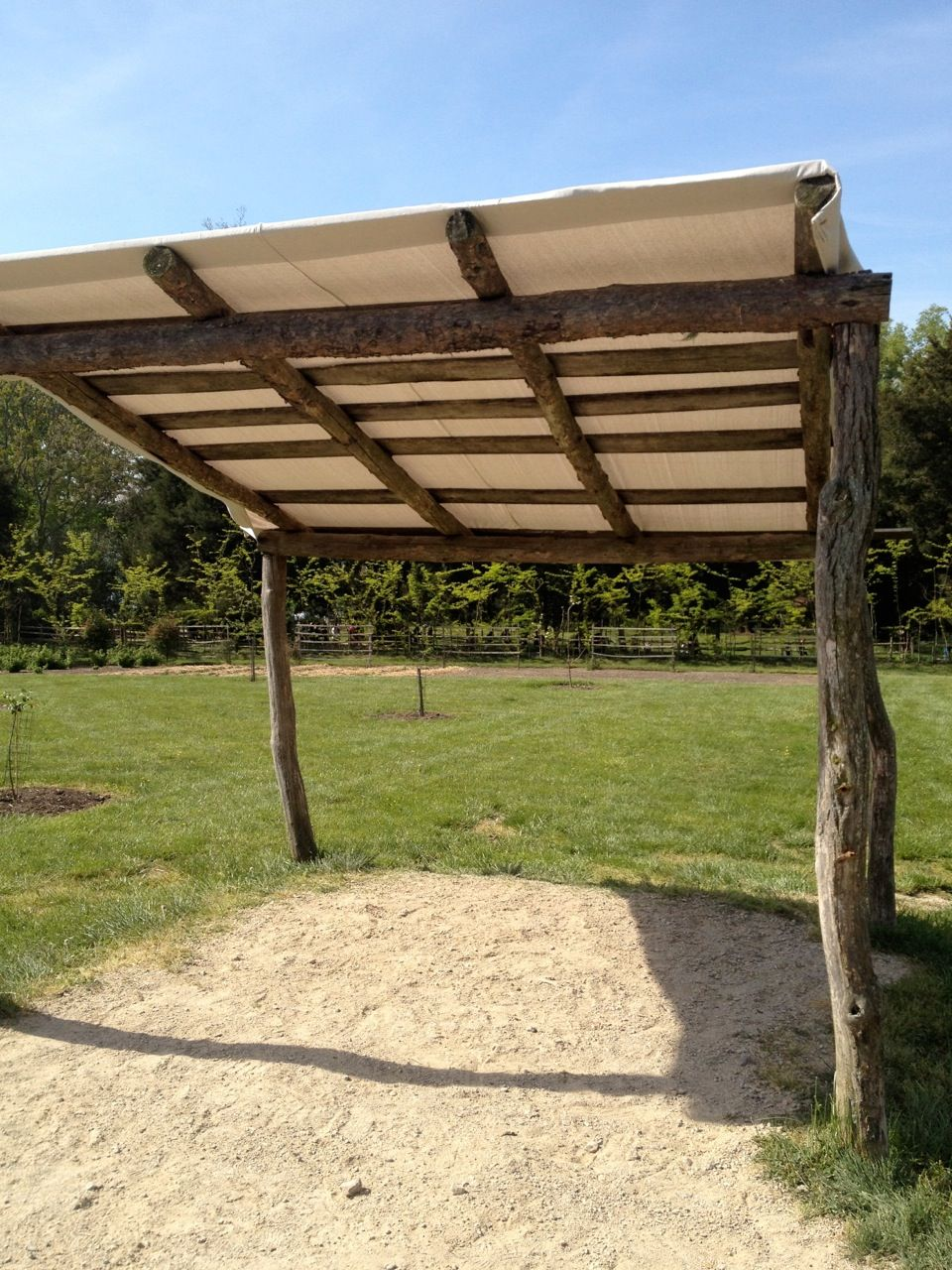 Tarp And Rustic Fence Kind Of Cool If It Was A Pergola Rustic Pergola Rustic Fence Pergola
