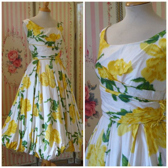1950s Cocktail Dress / Beautiful Floral Print Cotton / Full