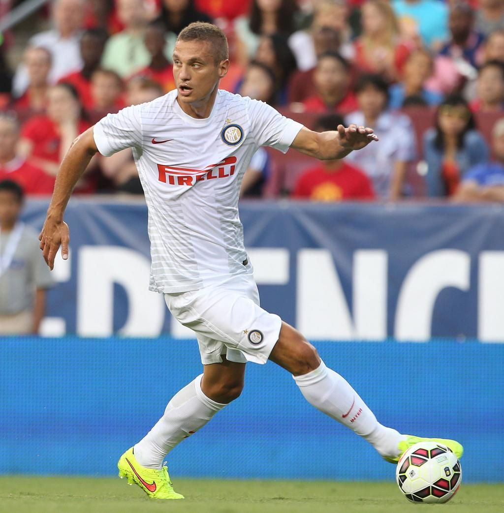 Former mufc captain Nemanja Vidic in action for Inter against