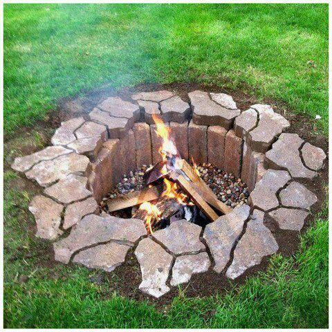 Firepit Dig Hole 2 3 Ft Deep Line With Red Fire Brick Garten Feuerstelle Garten Garten Ideen