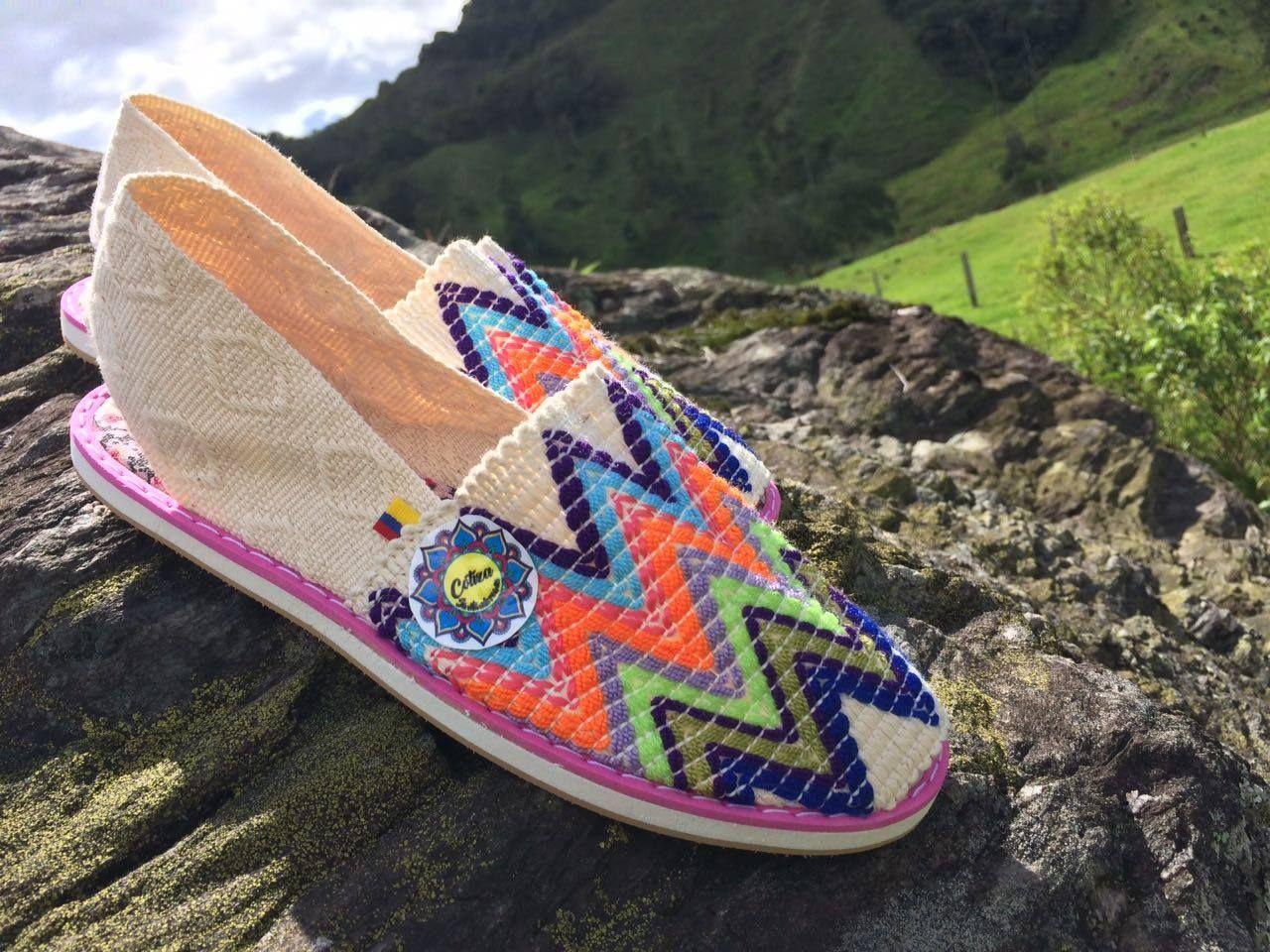 Cotizas con diseños originales, un producto elaborado con los mejores materiales, orgullosamente 100 % Colombiano. ingresa a la pagina para conocer mas, veras ahí también nuestros números de contacto.