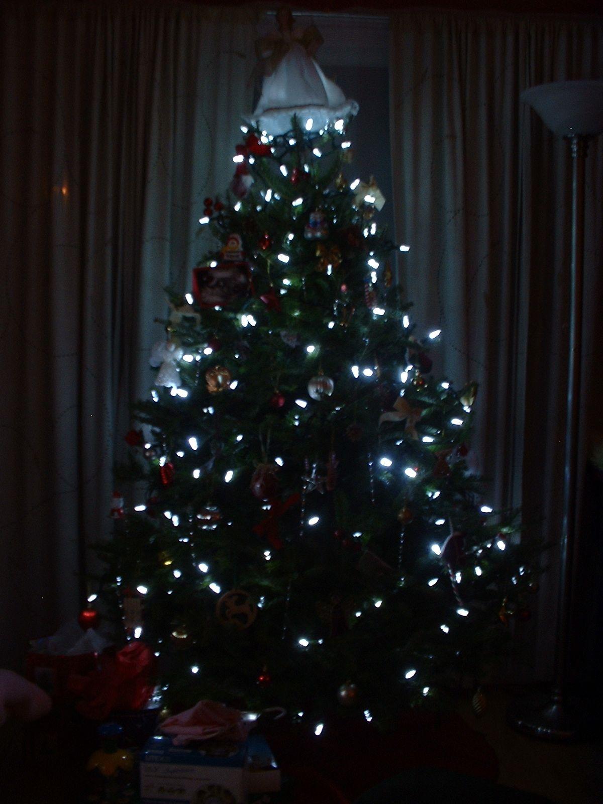 led christmas l - Google Search | xmas | Pinterest | Christmas tree ...