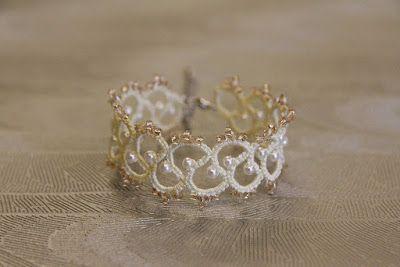 The Kim and I (Tatting Lace): Tatting Lace Free pattern) Puffy Fluffy bracelet