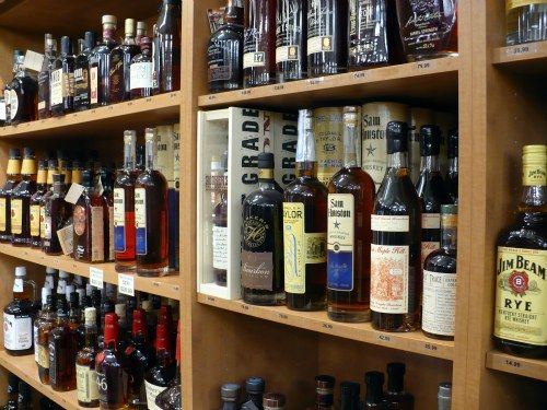 Cocktail 101: Stocking A Specialized Home Bar