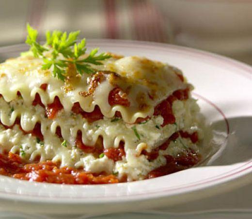Delightful 1 Lg. Jar Spaghetti Sauce 1 Box Lasagna Noodles, Uncooked 1 Lb. Container