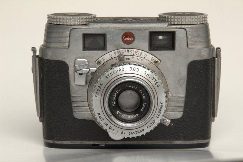 1950s Vintage Kodak Camera - the Signet 35mm Camera with Ekter lens ...