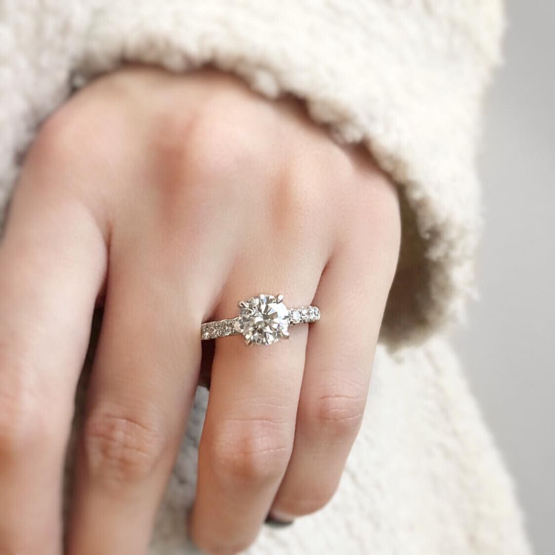 Round Diamond Engagement Ring With Side Stones Simple Classic Elegant Round Diamond Engagement Rings Diamond Instagram Classic Engagement Rings