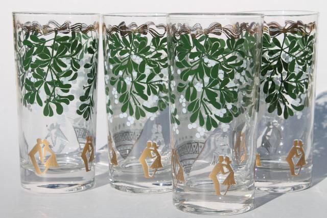 Image from http://laurelleaffarm.com/item-photos/midcentury-vintage-holiday-glasses-Christmas-mistletoe-Ogden-Nash-witty-verse-Laurel-Leaf-Farm-item-no-z1025124-5.jpg.