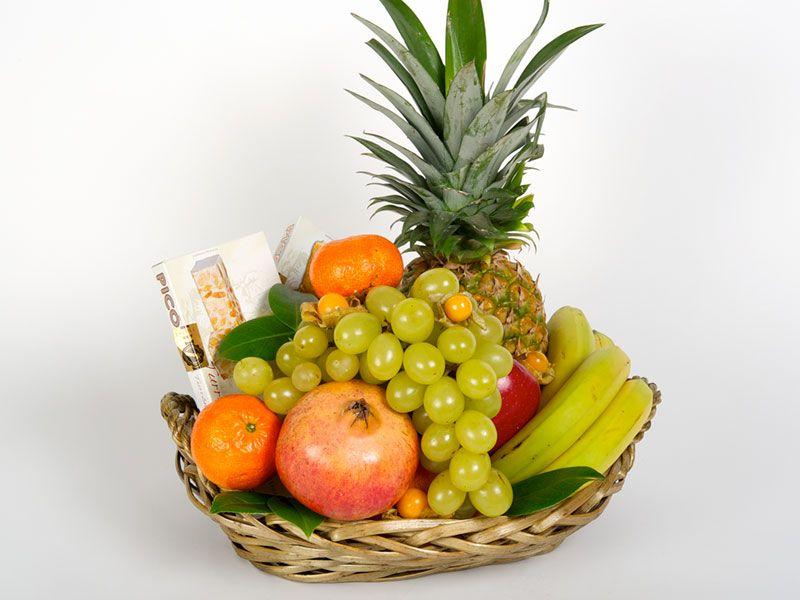 9 Ideas De Canastas De Mimbre Con Frutas Canasta De Frutas Arreglos De Frutas Arreglos Frutales