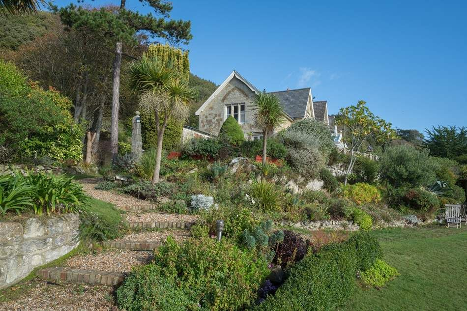 The Shute, Ventnor The Shute | Ventnor | Sleeps 6 + cot. A truly magical place to sit and enjoy the scenery, the seaward facing conservatory means you can still take advantage of the view if the sun just happens not to be shining.