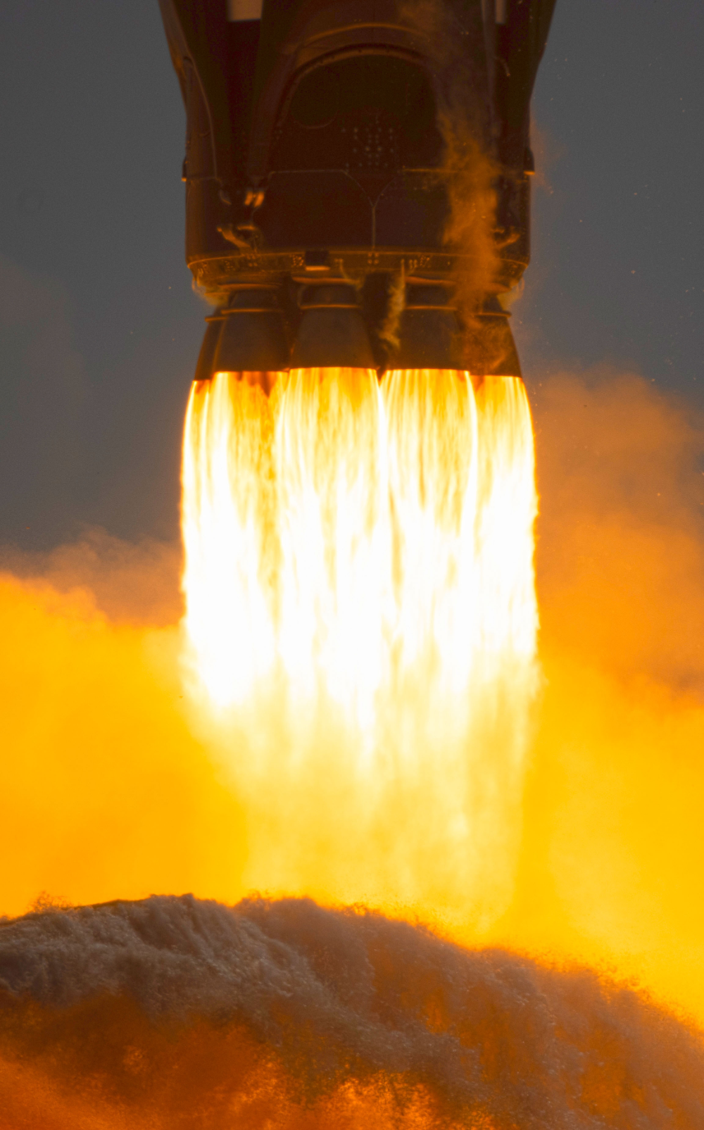 Falcon 9 Rocket On The Demo 2 Mission Spacex Wallpaper Phone Phone Wallpaper Spacex Wallpaper