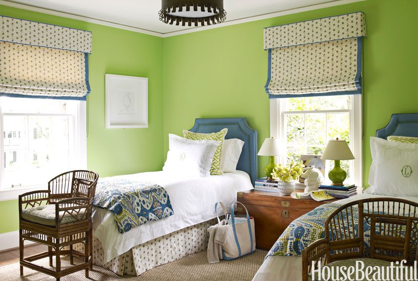 For This North Carolina House Designer Lindsey C Harper Painted The Guest Room Walls Benjamin Moore S Stem Green It Immediately Made Simple
