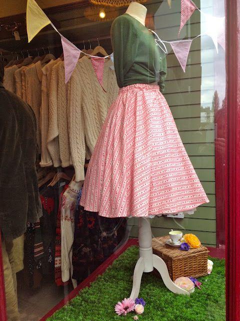 Vintage Window Display In York Clothing Displays Window Display Vintage Clothing Boutique